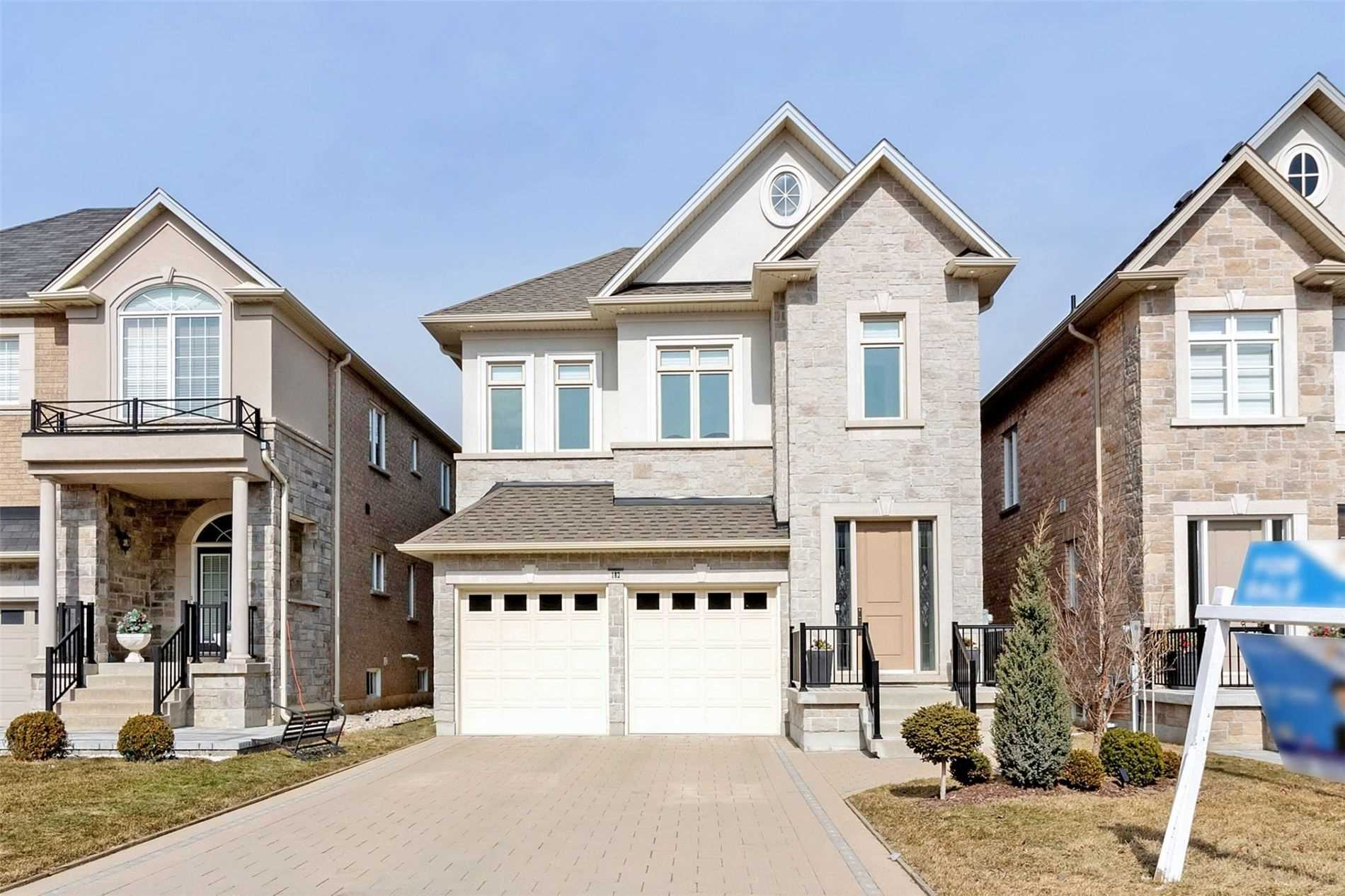 182 Townsgate Dr, Vaughan, Ontario L4J8J5, 4 Bedrooms Bedrooms, 9 Rooms Rooms,5 BathroomsBathrooms,Detached,For Sale,Townsgate,N5146754