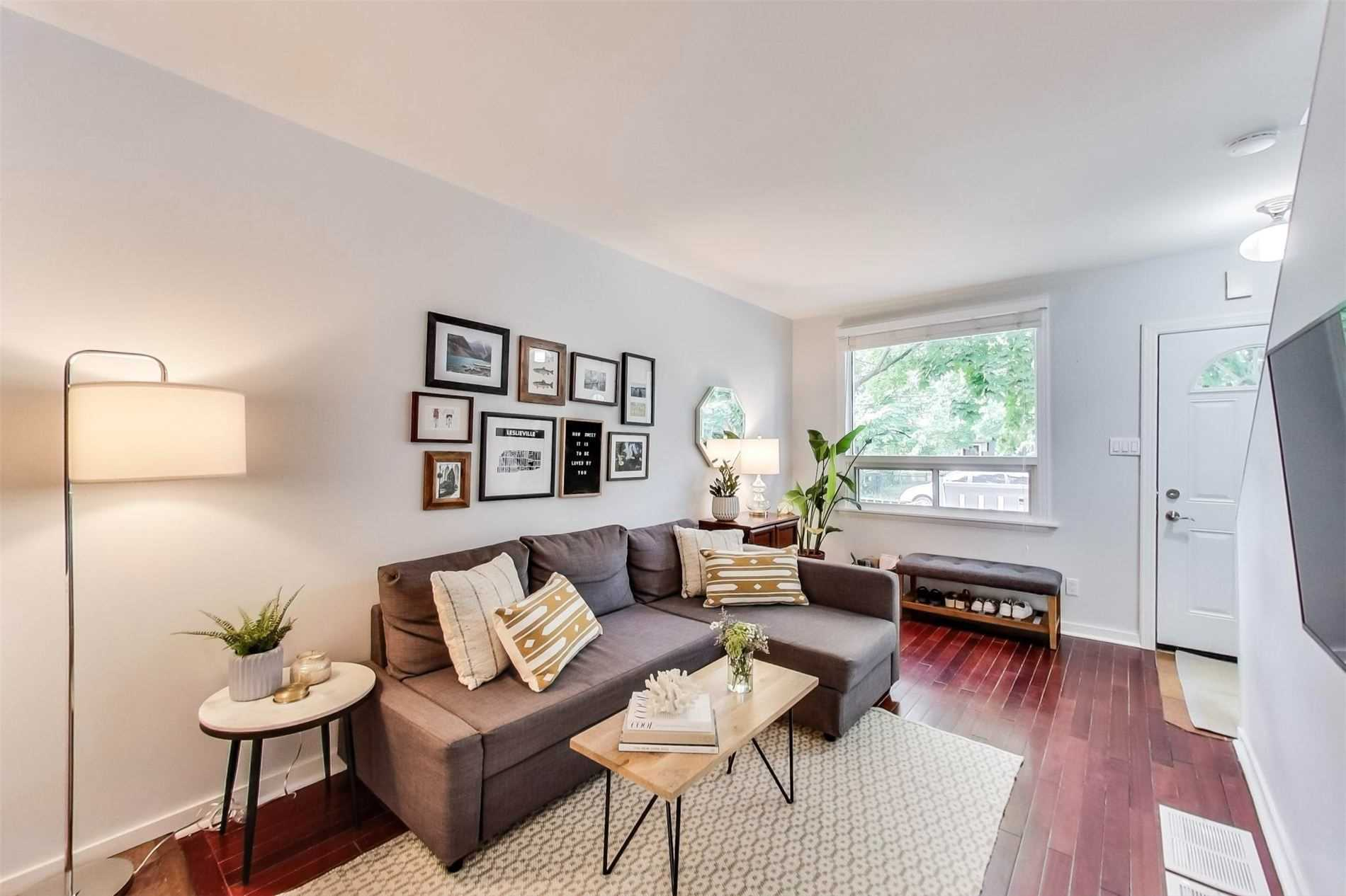 59 1/2 Logan Ave, Toronto, Ontario M4M 2M9, 2 Bedrooms Bedrooms, 5 Rooms Rooms,2 BathroomsBathrooms,Semi-detached,For Sale,Logan,E4912003