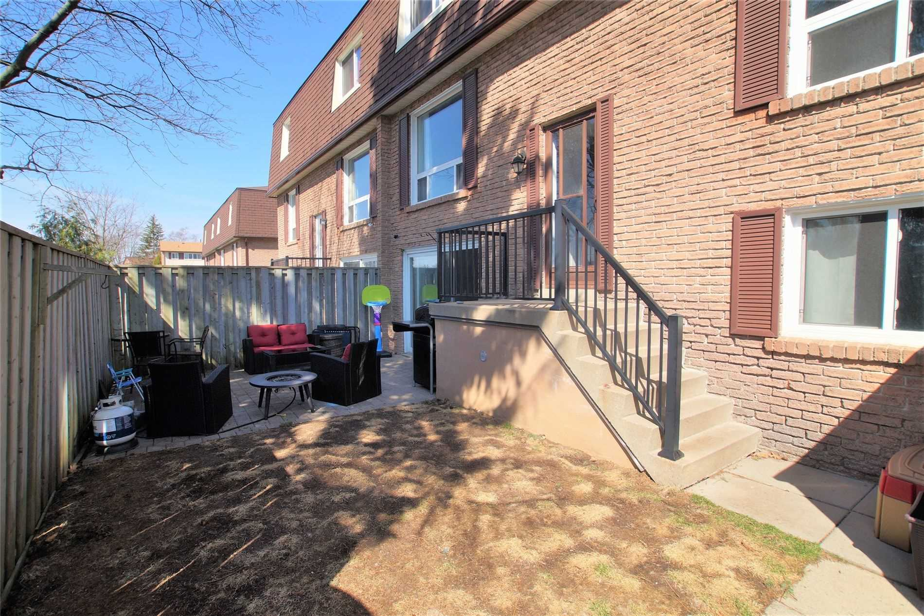 966 Adelaide Ave, Oshawa, Ontario L1K1L2, 3 Bedrooms Bedrooms, ,3 BathroomsBathrooms,Condo Townhouse,For Sale,Adelaide,E5181060