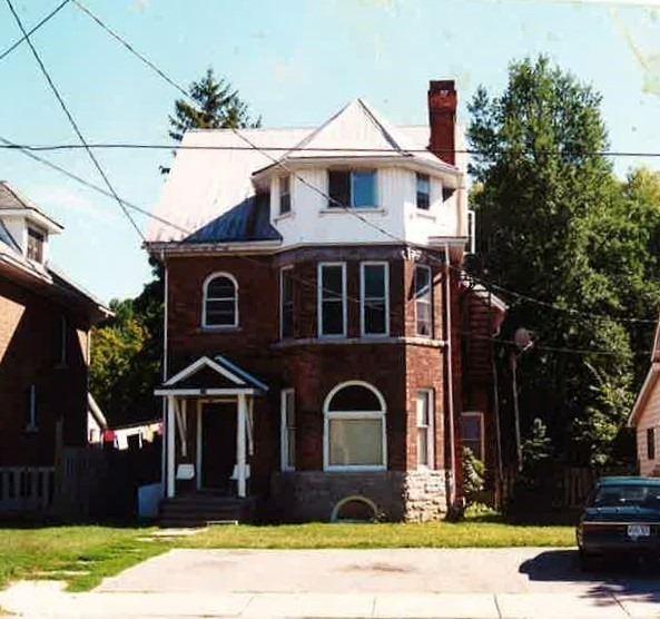 469 8th St, Owen Sound, Ontario N4K 1L6, 5 Bedrooms Bedrooms, ,4 BathroomsBathrooms,Fourplex,For Sale,8th,X5162062