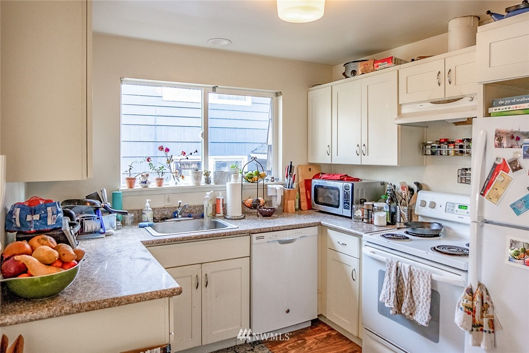5208 21st Avenue, Seattle, Washington 98105, ,Residential Income,For Sale,21st,NWM1761092