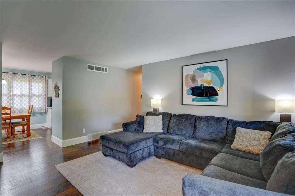 5519 LEANNE LN, Mcfarland, Wisconsin 53558, 3 Bedrooms Bedrooms, ,Rental,For Rent,LEANNE LN,1895955