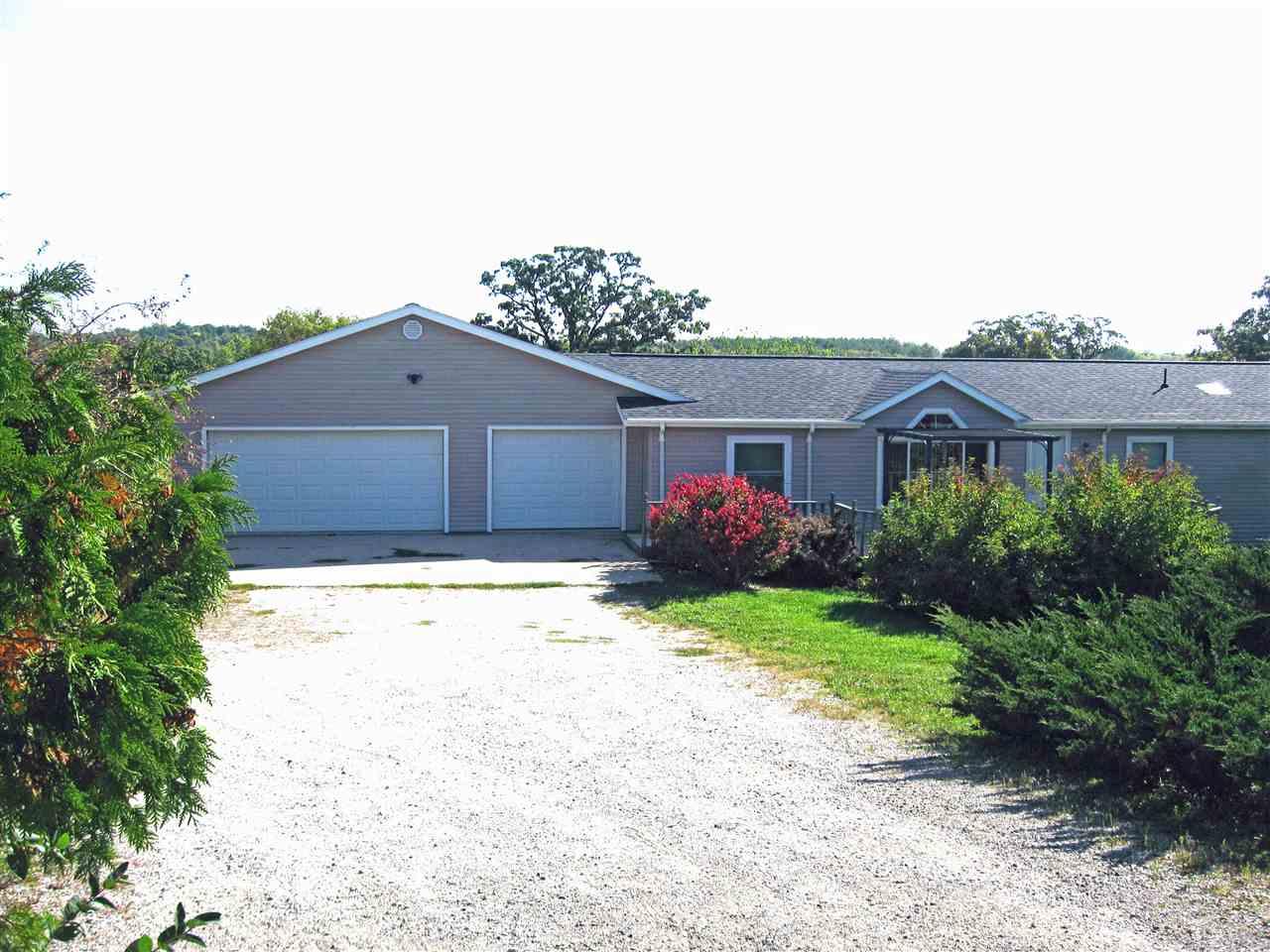 N3884 County Road TT, Elba, Wisconsin 53925-8948, 3 Bedrooms Bedrooms, ,Rental,For Rent,County Road TT,1899907