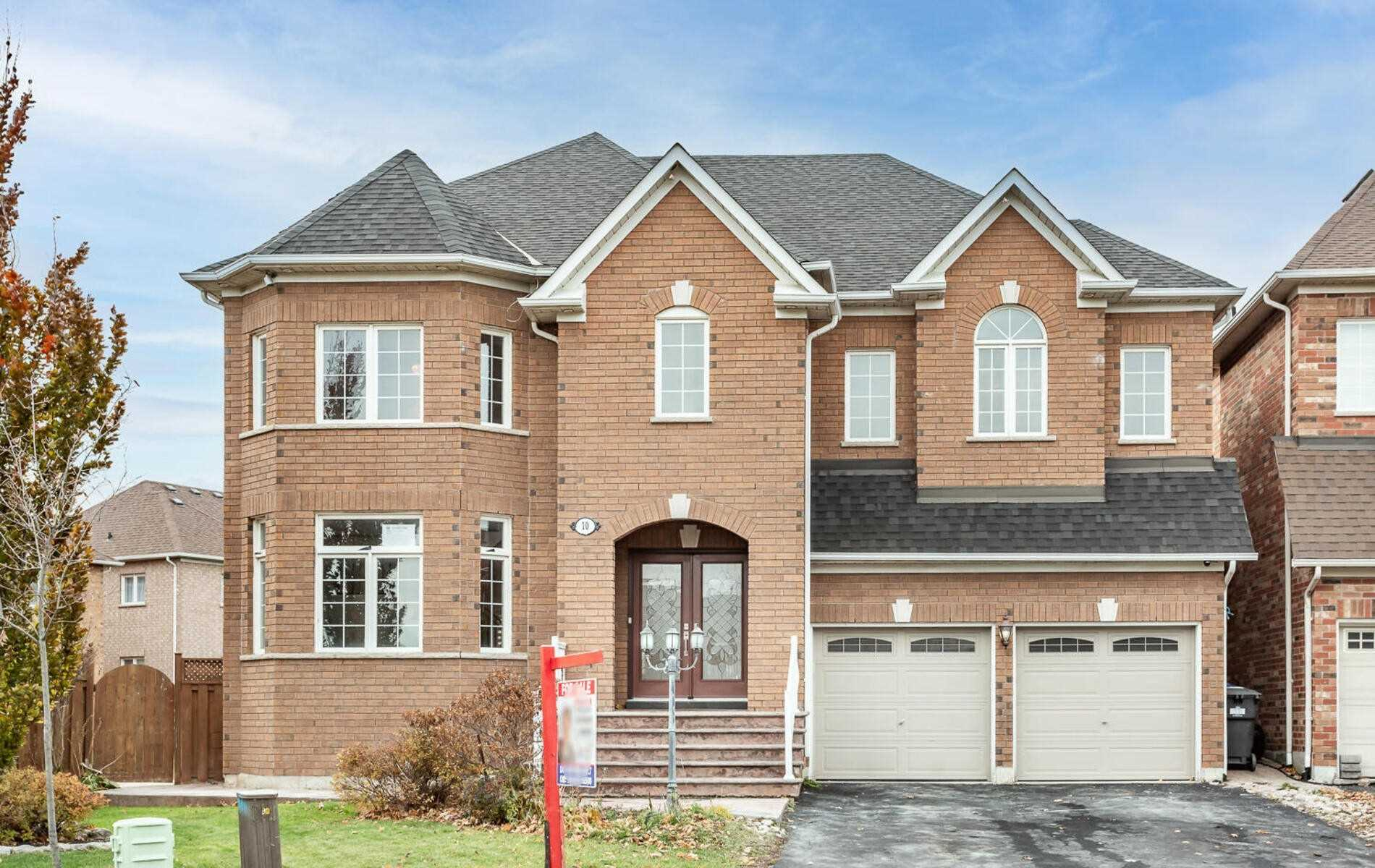 10 Hillson Crt, Brampton, Ontario L6P1C4, 4 Bedrooms Bedrooms, 10 Rooms Rooms,5 BathroomsBathrooms,Detached,For Sale,Hillson,W4981333