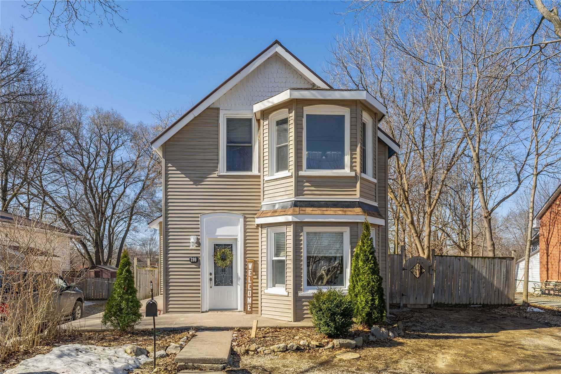 299 East St, Orillia, Ontario L3V4C1, 3 Bedrooms Bedrooms, ,2 BathroomsBathrooms,Detached,For Sale,East,S5161603