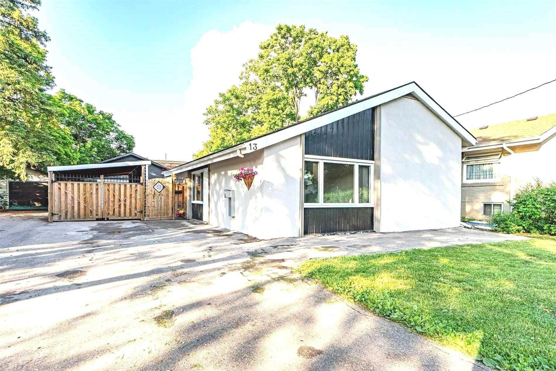 13 Cornwall Rd, Brampton, Ontario L6W1M8, 3 Bedrooms Bedrooms, ,2 BathroomsBathrooms,Detached,For Sale,Cornwall,W5145482