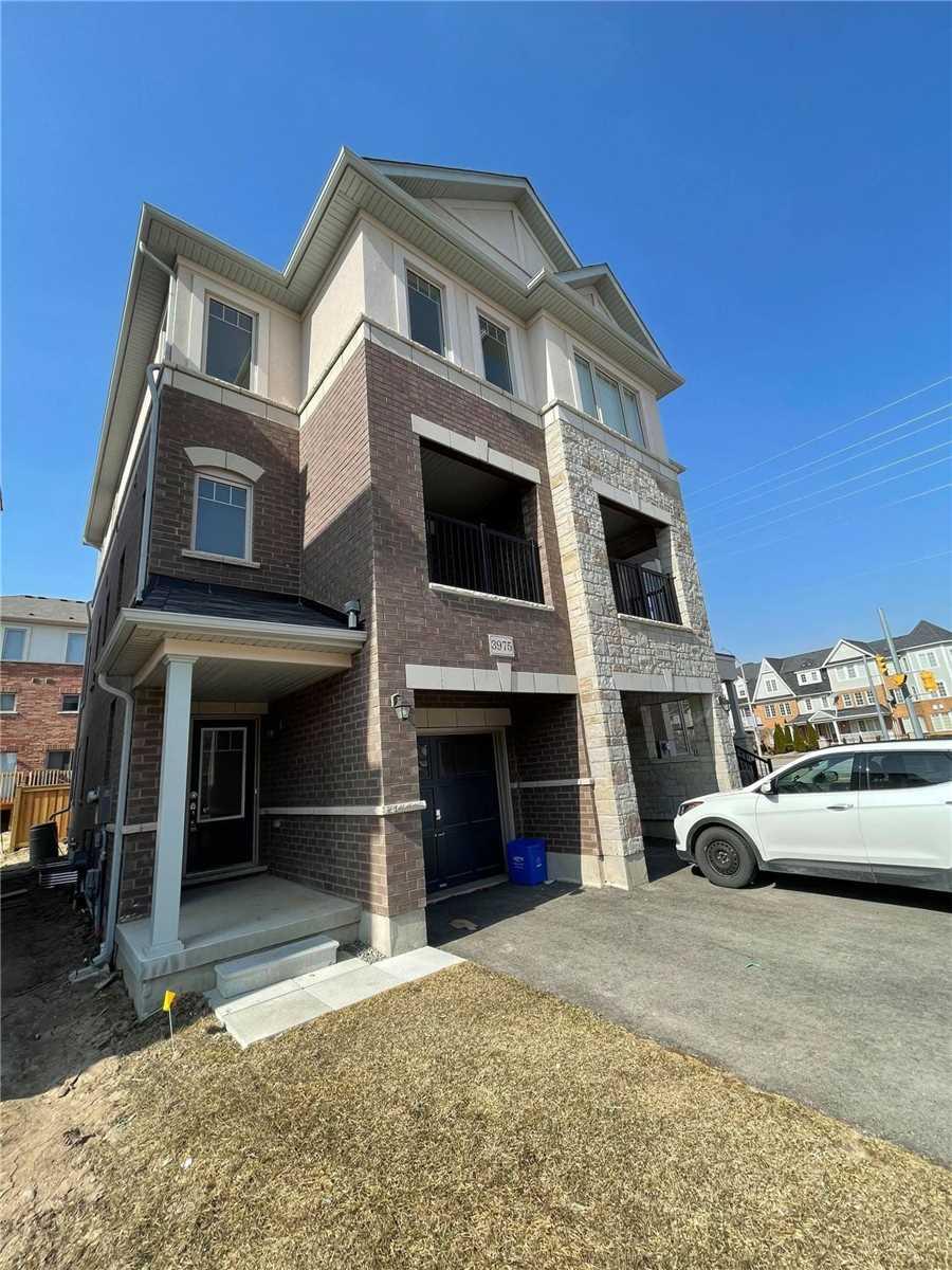 3975 Thomas Alton Blvd, Burlington, Ontario L7M2A4, 3 Bedrooms Bedrooms, ,3 BathroomsBathrooms,Semi-detached,For Lease,Thomas Alton,W5156197