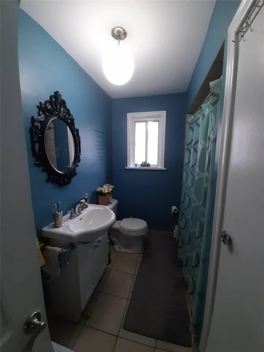 1949 Highway 7 W, Vaughan, Ontario L4K1V5, 3 Bedrooms Bedrooms, 7 Rooms Rooms,1 BathroomBathrooms,Detached,For Sale,Highway 7 W,N5178165