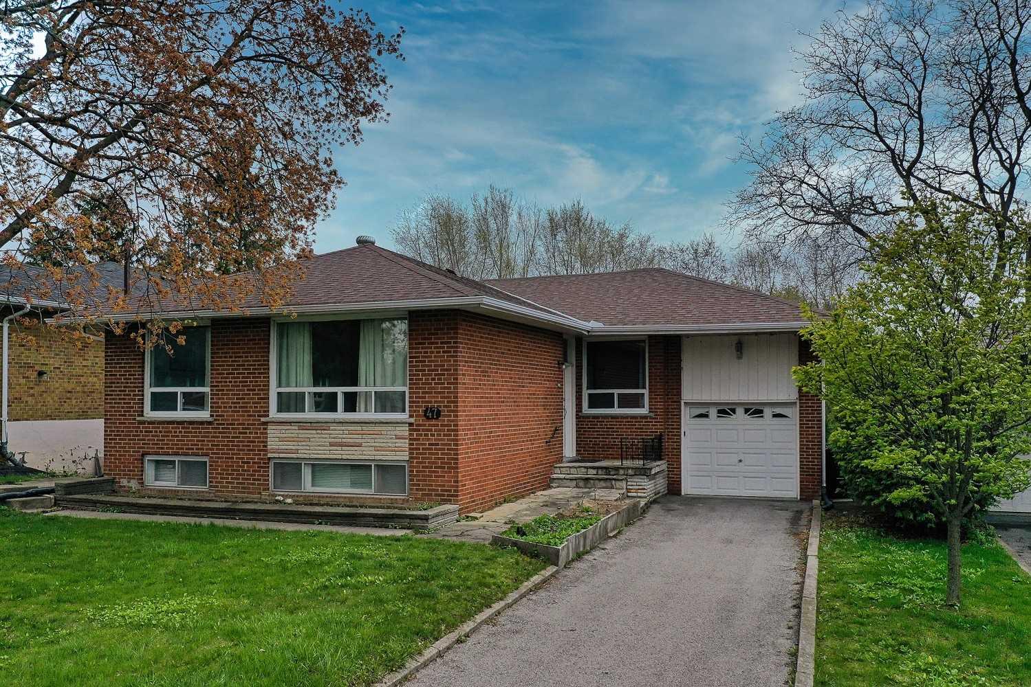 47 Woodthorpe Rd, Toronto, Ontario M4A1S6, 3 Bedrooms Bedrooms, 6 Rooms Rooms,2 BathroomsBathrooms,Detached,For Sale,Woodthorpe,C5216866