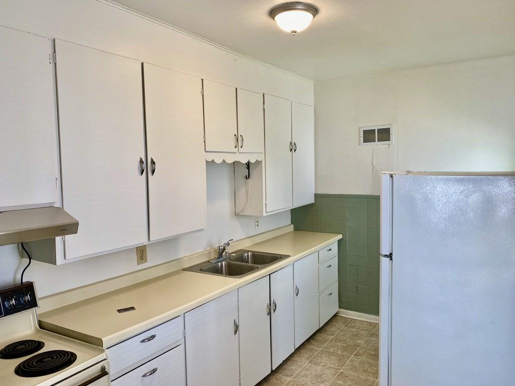 223 Marion W, Portage, Wisconsin 53901, 1 Bedroom Bedrooms, ,Rental,For Rent,Marion,1898916