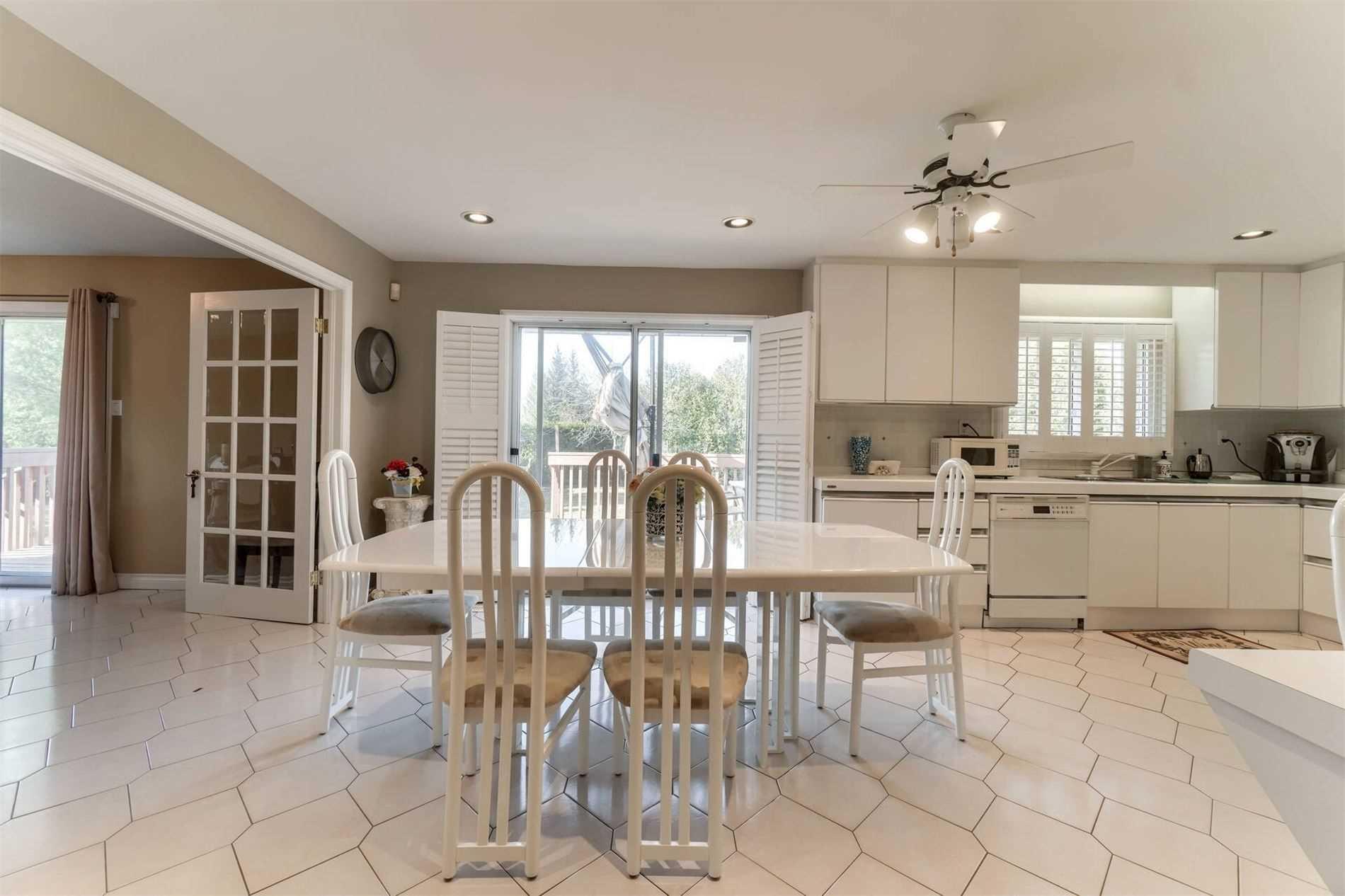 10776 Mcvean Dr, Brampton, Ontario L6P0J5, 3 Bedrooms Bedrooms, 8 Rooms Rooms,2 BathroomsBathrooms,Detached,For Sale,Mcvean,W5164216