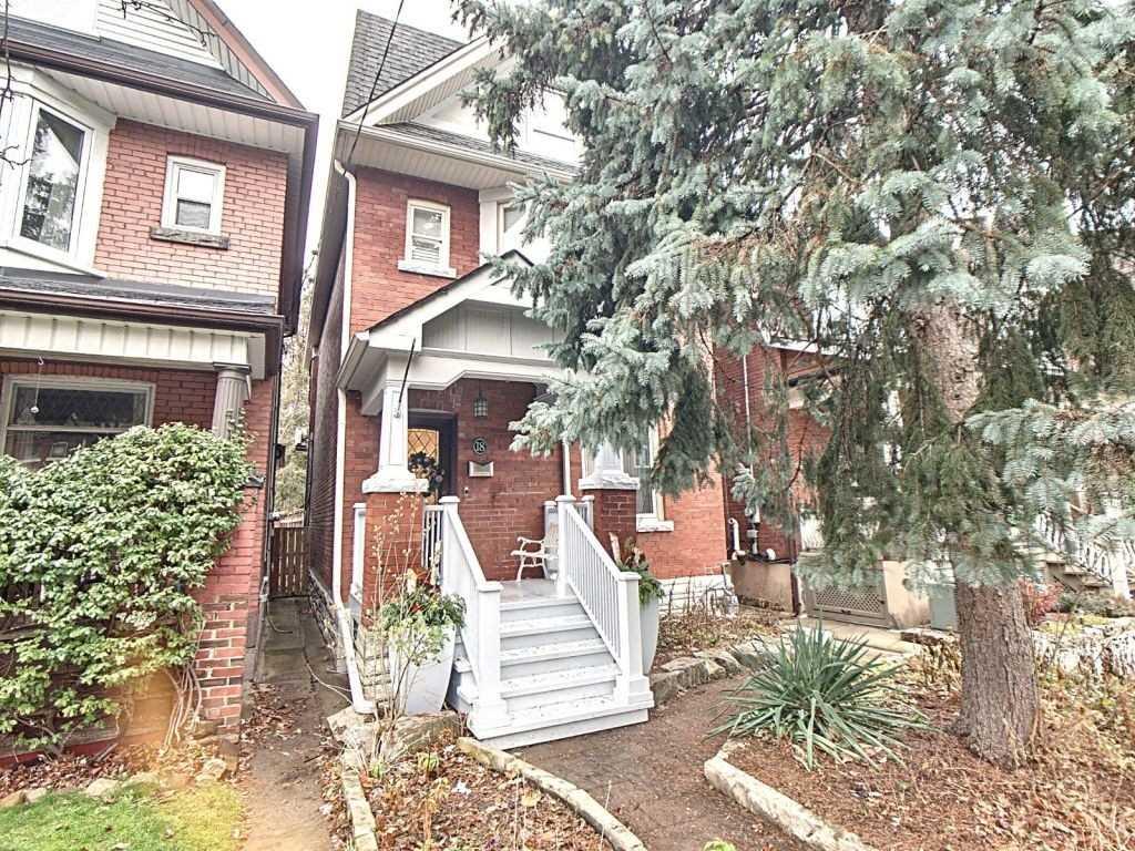 18 Constance St, Toronto, Ontario M6R1S4, 3 Bedrooms Bedrooms, 7 Rooms Rooms,4 BathroomsBathrooms,Detached,For Sale,Constance,W5058074