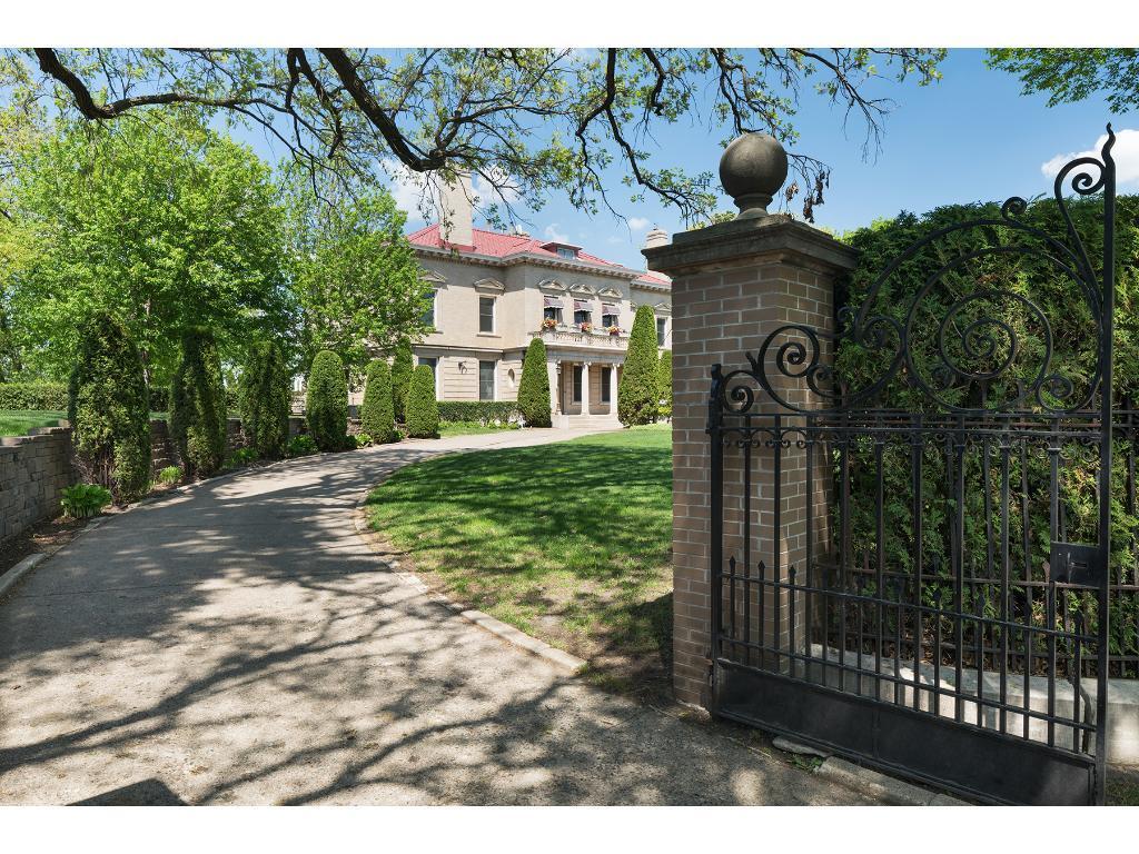 1300 Mount Curve Avenue, Minneapolis, Minnesota 55403, 10 Bedrooms Bedrooms, ,3 BathroomsBathrooms,Residential,For Sale,Mount Curve,NST4934214