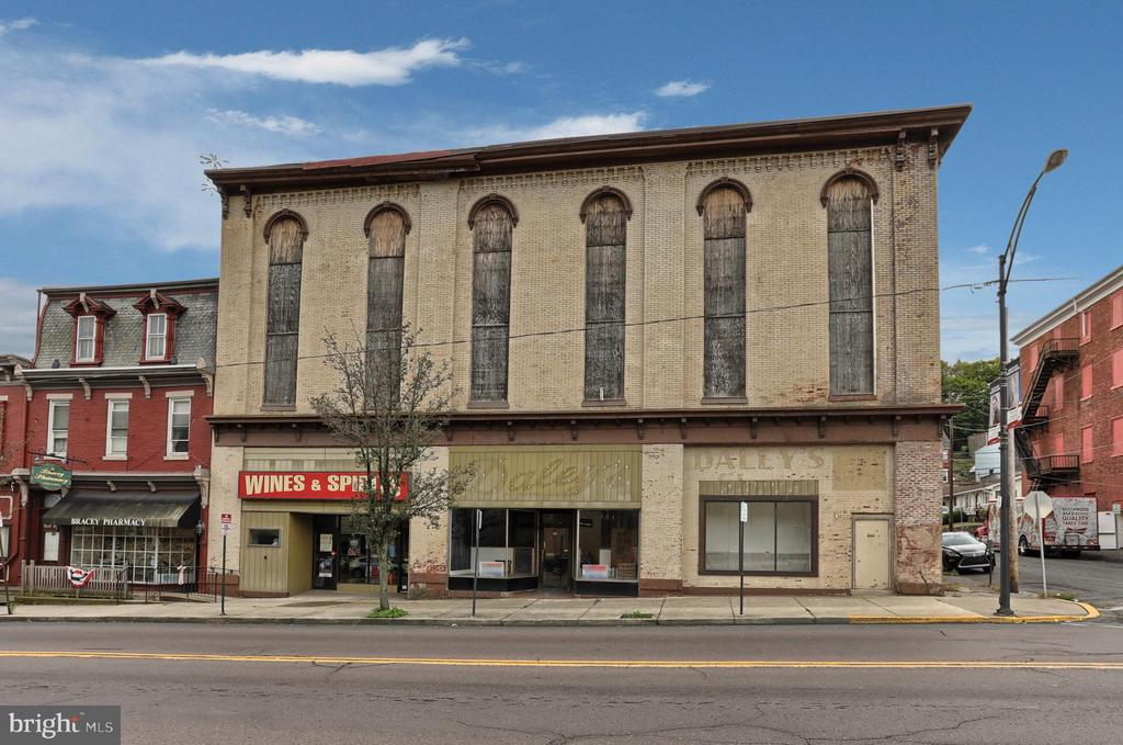 628 CENTRE STREET, ASHLAND, PA 17921, ,Commercial Sale,For Sale,CENTRE,PASK127910