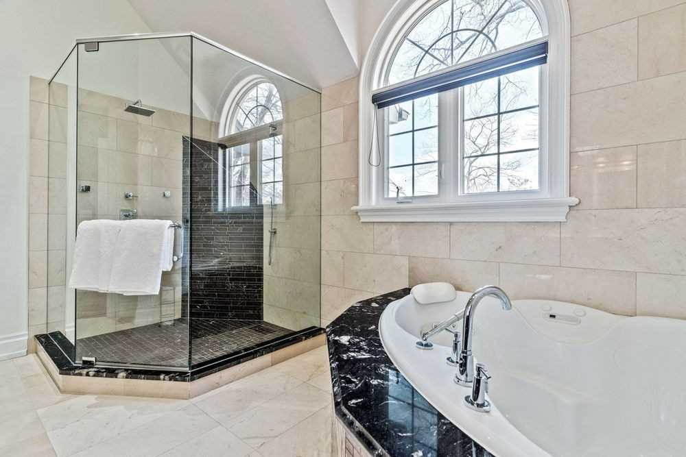 1494 Kenmuir Ave, Mississauga, Ontario L5G4B5, 4 Bedrooms Bedrooms, 8 Rooms Rooms,5 BathroomsBathrooms,Detached,For Sale,Kenmuir,W5151987