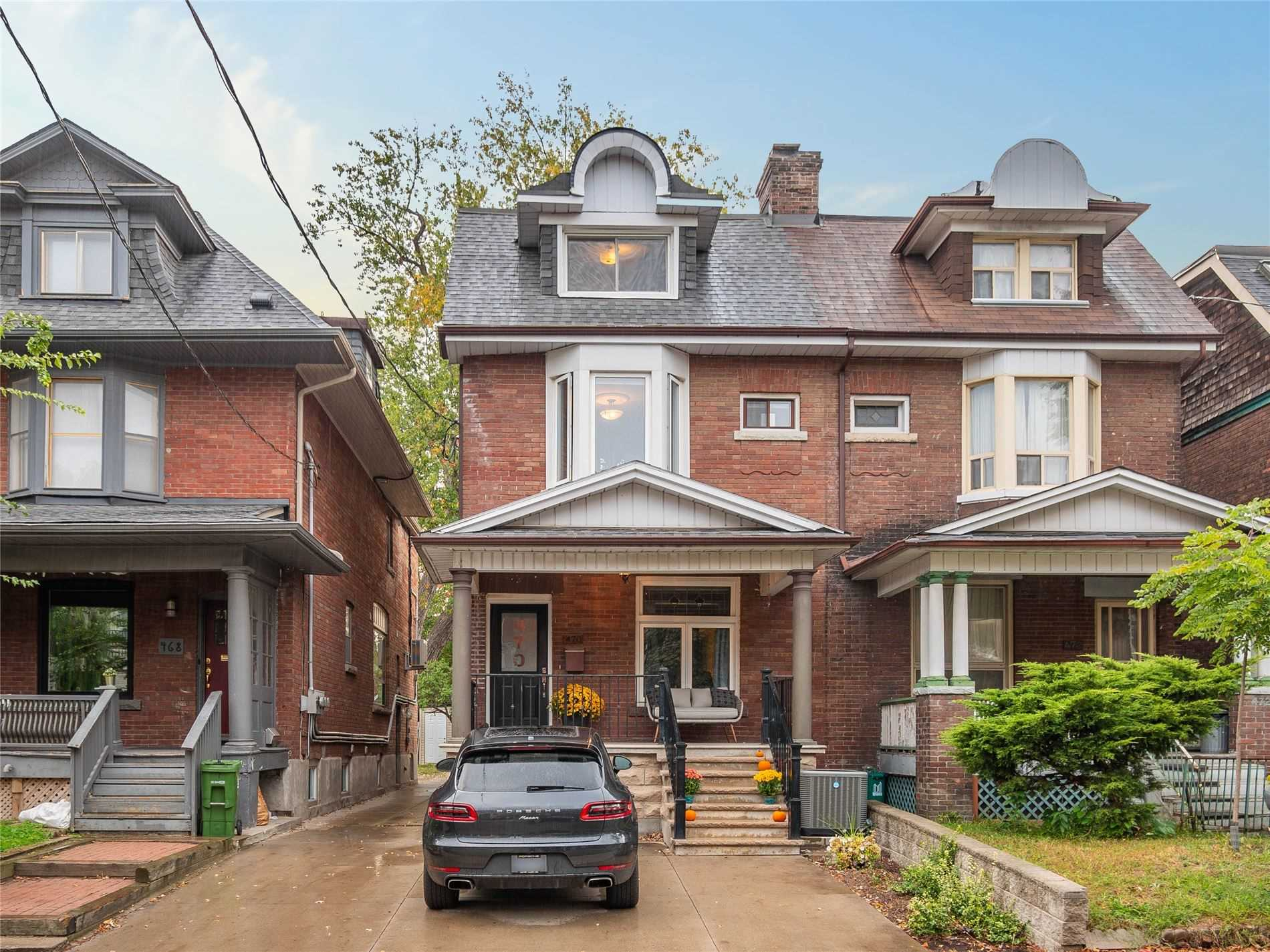 470 Markham St, Toronto, Ontario M6G2L3, 4 Bedrooms Bedrooms, 8 Rooms Rooms,3 BathroomsBathrooms,Semi-detached,For Sale,Markham,C4964587