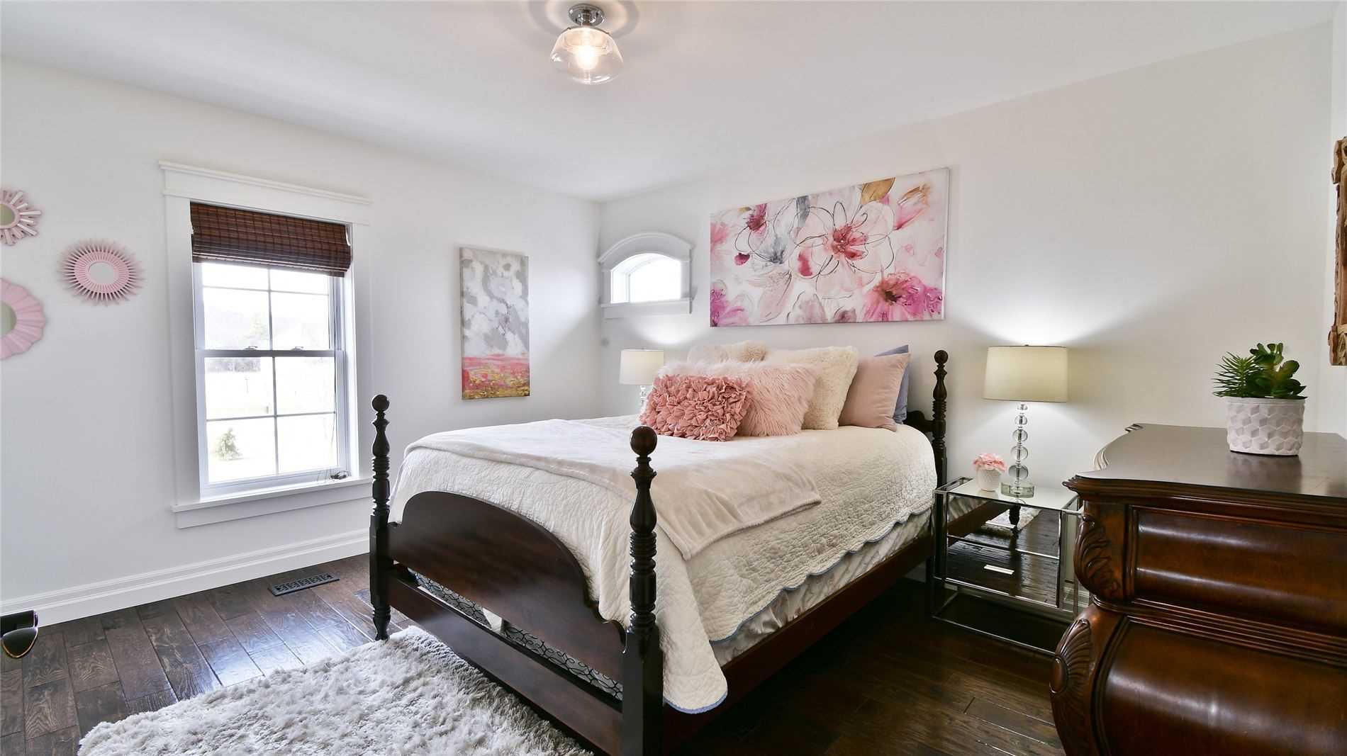 10 Deerfield Crt, Prince Edward County, Ontario K8N 4Z1, 3 Bedrooms Bedrooms, ,5 BathroomsBathrooms,Detached,For Sale,Deerfield,X5165188
