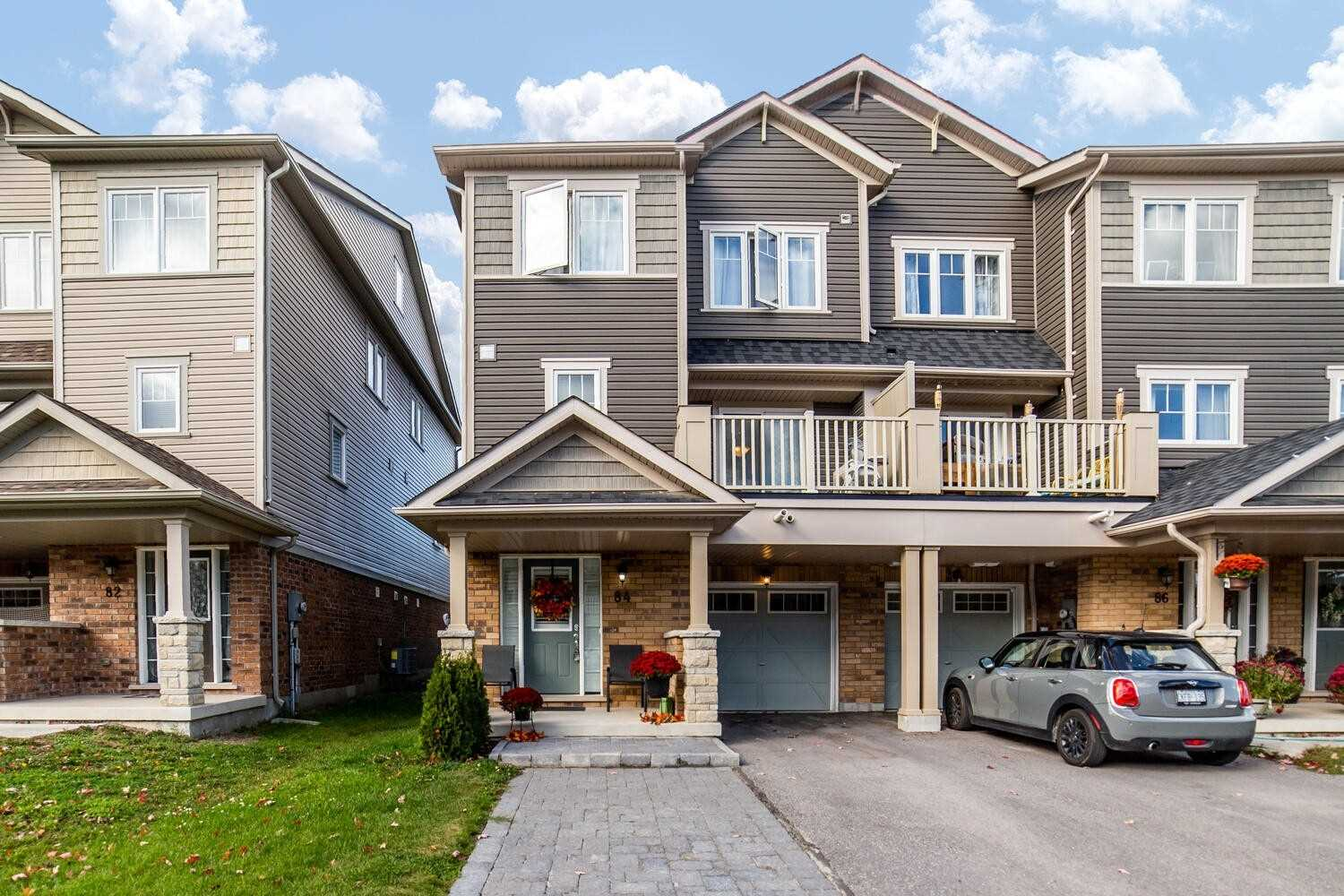 84 Tabaret Cres, Oshawa, Ontario L1L0G5, 2 Bedrooms Bedrooms, ,2 BathroomsBathrooms,Att/Row/Twnhouse,For Sale,Tabaret,E4945595