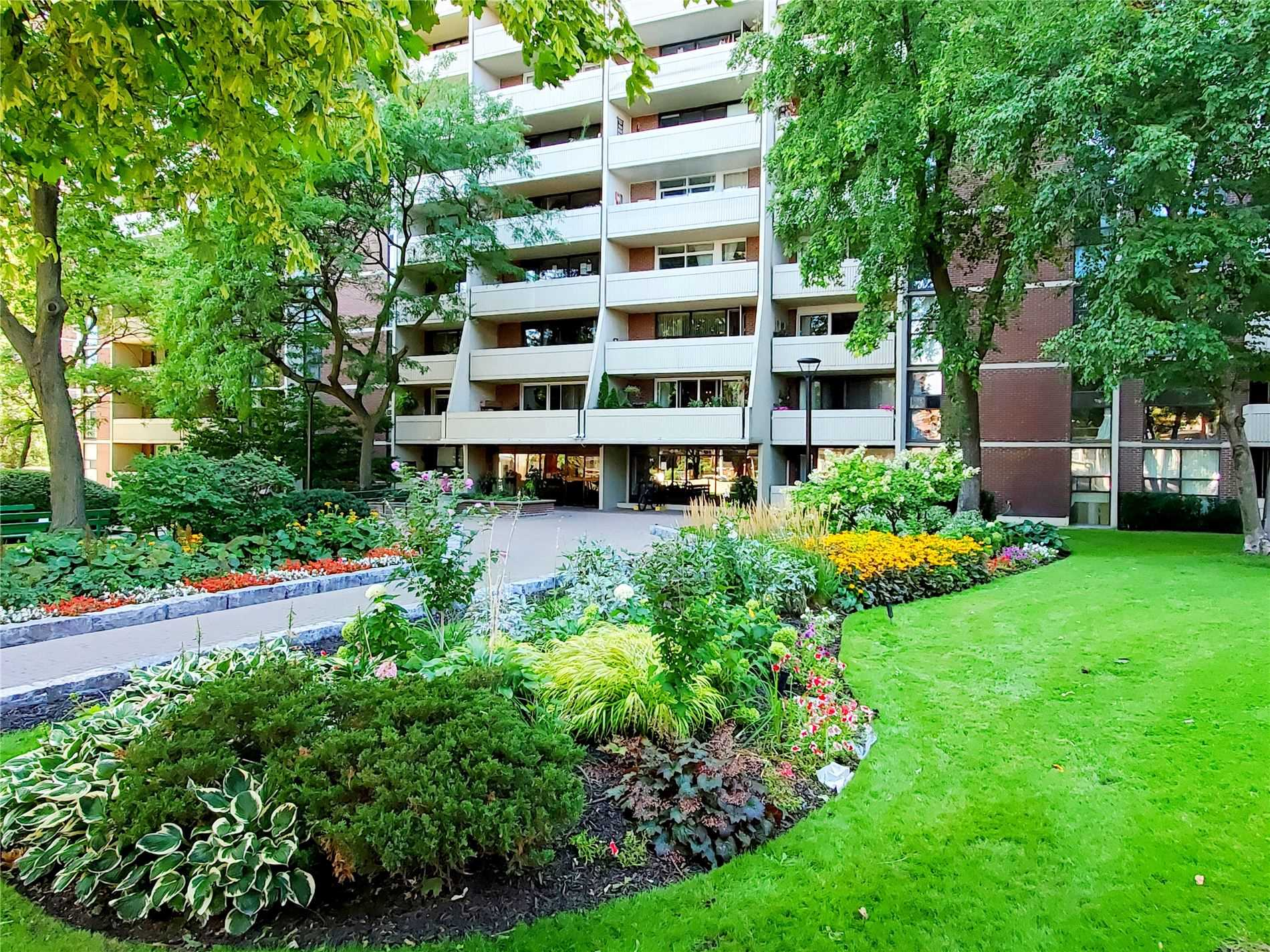 40 Homewood Ave, Toronto, Ontario M4Y 2K2, 3 Rooms Rooms,1 BathroomBathrooms,Condo Apt,For Sale,Homewood,C4879465