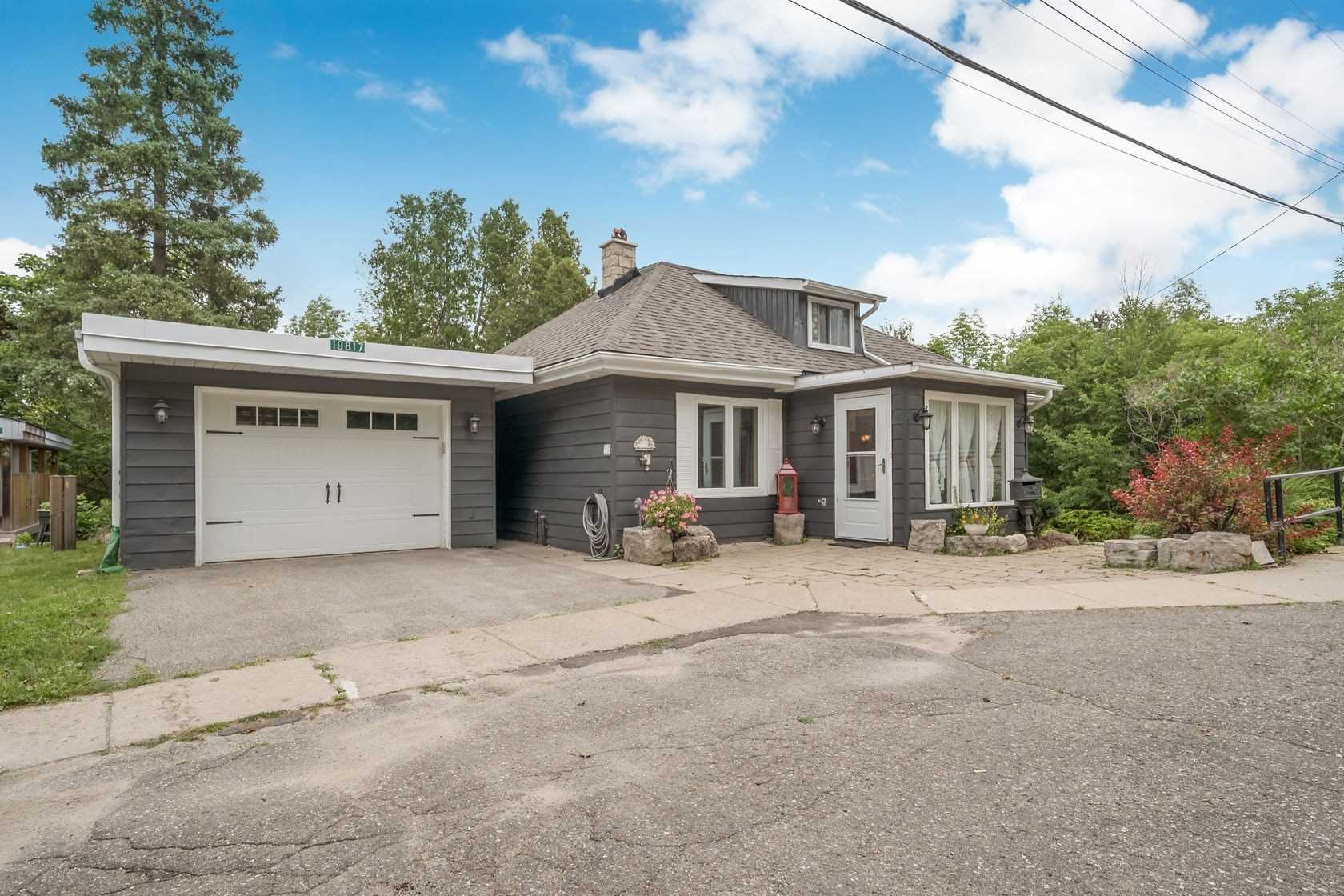 19817 Main St, Caledon, Ontario L7K0C2, 4 Bedrooms Bedrooms, 9 Rooms Rooms,3 BathroomsBathrooms,Detached,For Sale,Main,W4902822