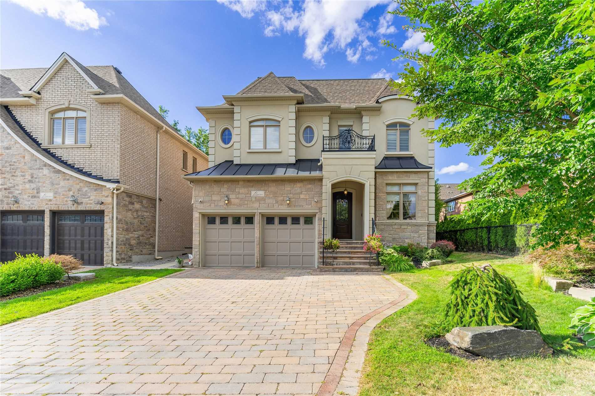 64 Long Hill Dr, Richmond Hill, Ontario L4E4G9, 4 Bedrooms Bedrooms, 10 Rooms Rooms,6 BathroomsBathrooms,Detached,For Sale,Long Hill,N4853309