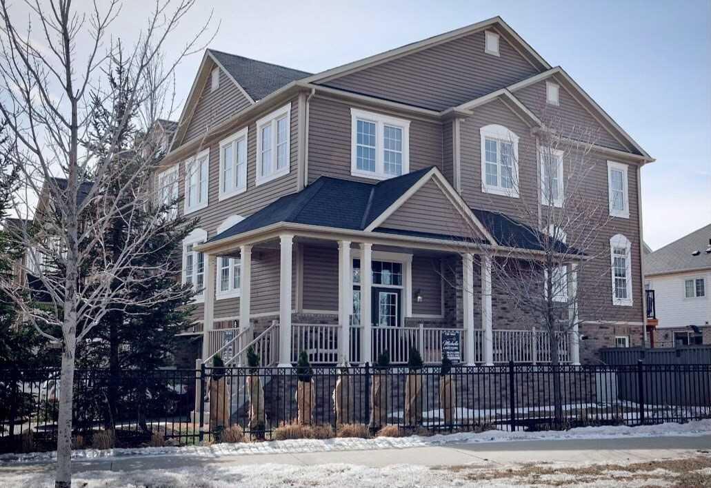 4823 Thomas Alton Blvd, Burlington, Ontario L7M 0V2, 3 Bedrooms Bedrooms, ,3 BathroomsBathrooms,Condo Townhouse,For Sale,Thomas Alton,W5160896