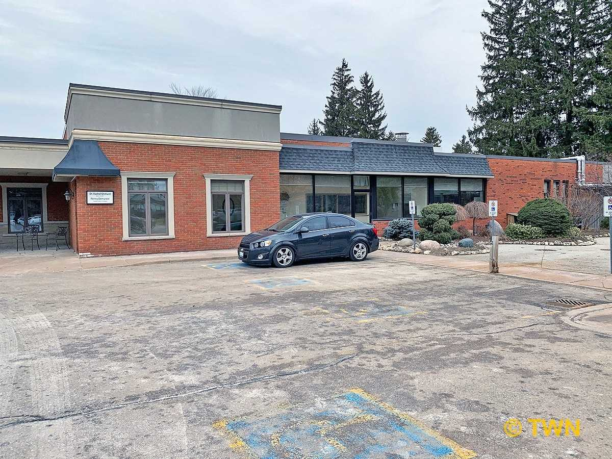 423 Devonshire Ave, Woodstock, Ontario N4S5P5, ,Commercial/retail,For Lease,Devonshire,X5177230