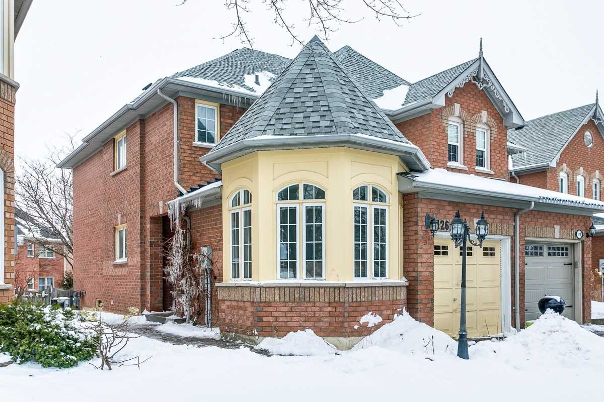 126 Zachary Pl, Whitby, Ontario L1M1E2, 3 Bedrooms Bedrooms, ,3 BathroomsBathrooms,Att/Row/Twnhouse,For Sale,Zachary,E4360361