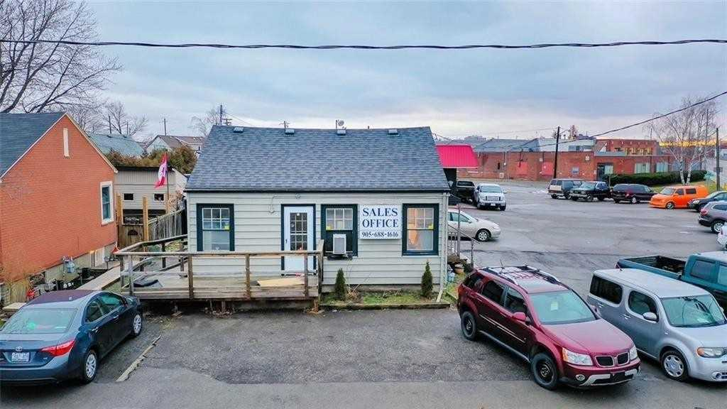 378 Welland Ave, St. Catharines, Ontario L2R 2R3, ,Commercial/Retail,For Sale,Welland,X4851167