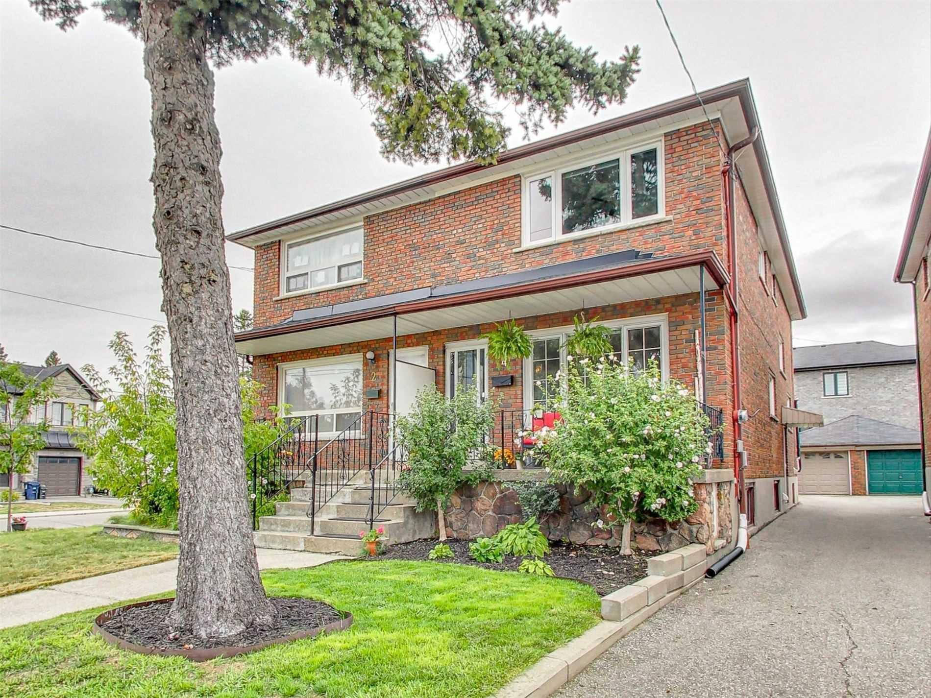 4 Moira Ave, Toronto, Ontario M1K1B6, 3 Bedrooms Bedrooms, 9 Rooms Rooms,2 BathroomsBathrooms,Semi-detached,For Sale,Moira,E4913109