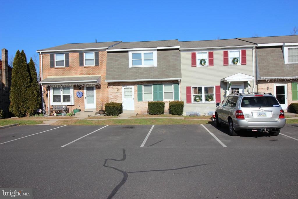 11 VALLEY DRIVE, TELFORD, PA 18969, 3 Bedrooms Bedrooms, ,1 BathroomBathrooms,Residential,For Sale,VALLEY,PAMC249656