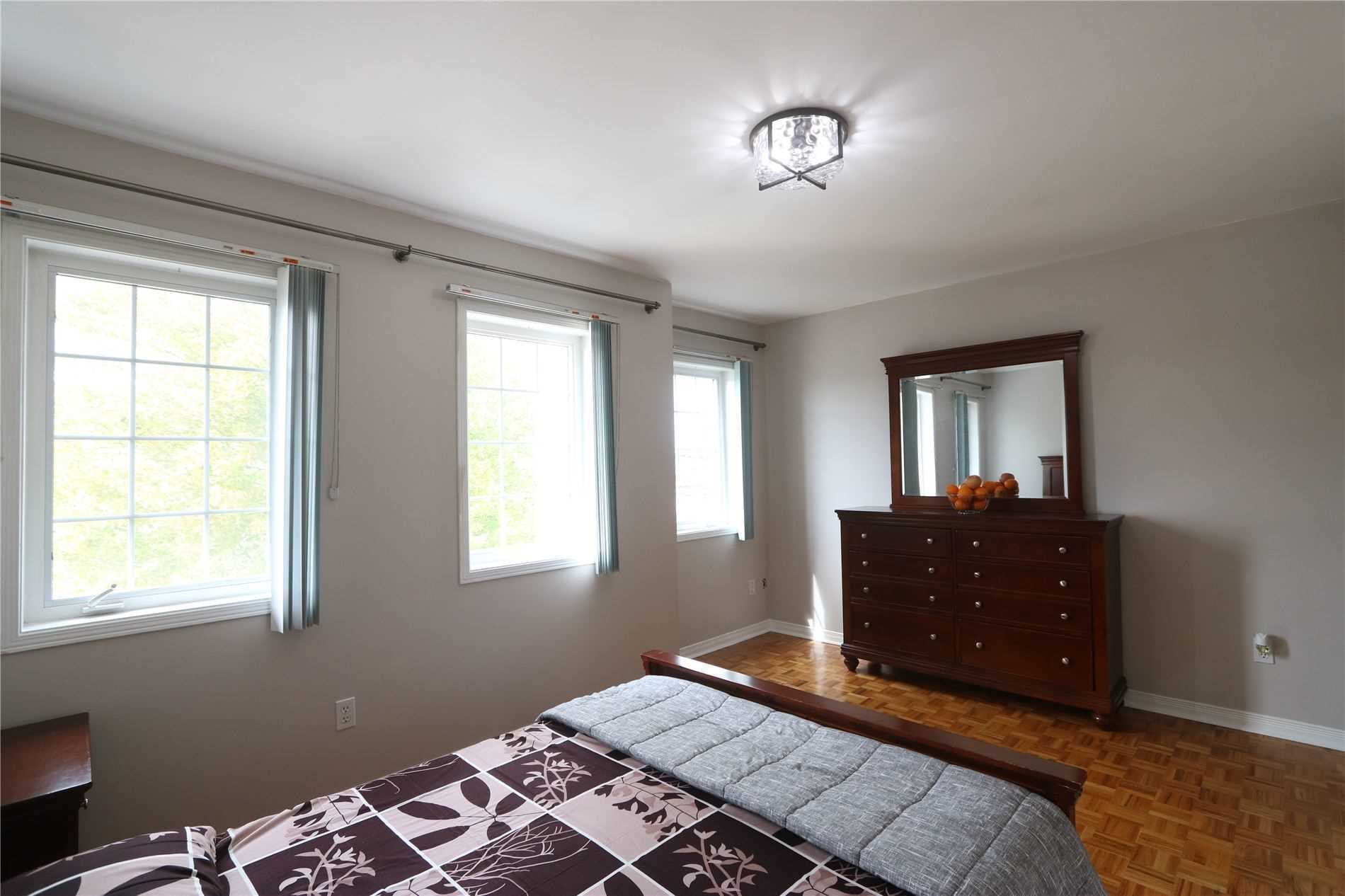 71 Kane Ave, Toronto, Ontario M6M3M8, 3 Bedrooms Bedrooms, ,3 BathroomsBathrooms,Semi-Detached,For Sale,Kane,W4909936