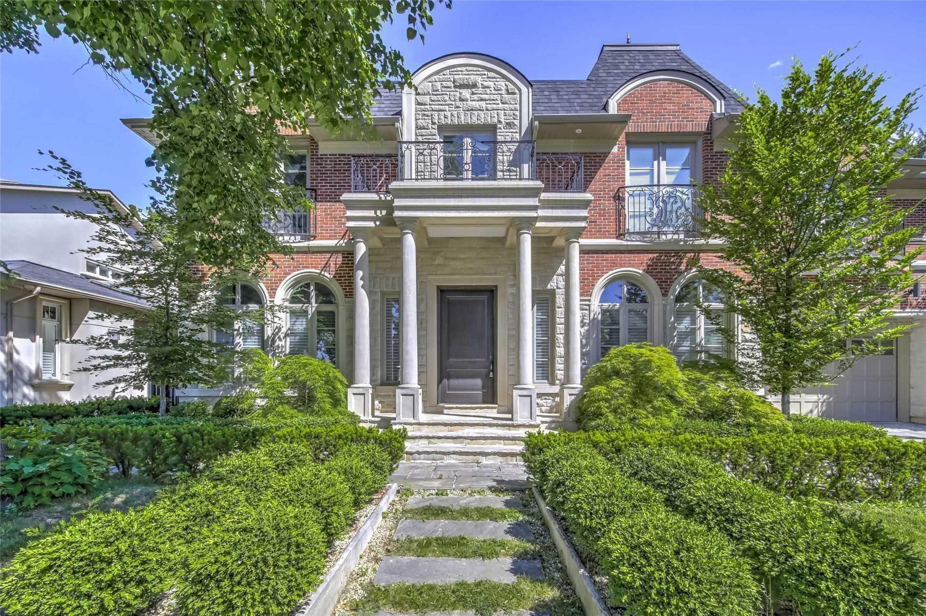 93 Larkfield Dr, Toronto, Ontario M3B2H6, 5 Bedrooms Bedrooms, 11 Rooms Rooms,8 BathroomsBathrooms,Detached,For Sale,Larkfield,C5082110