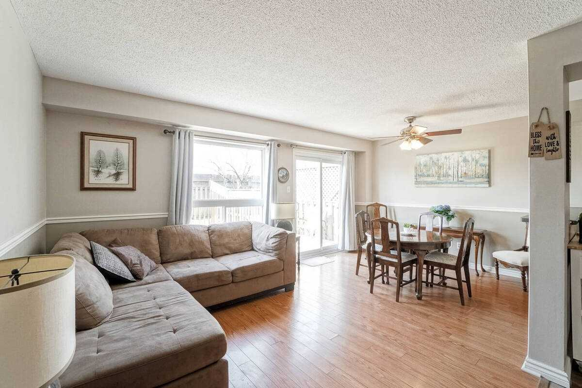 200 Cresthaven Rd, Brampton, Ontario L7A1G5, 3 Bedrooms Bedrooms, ,2 BathroomsBathrooms,Condo Townhouse,For Sale,Cresthaven,W5184879