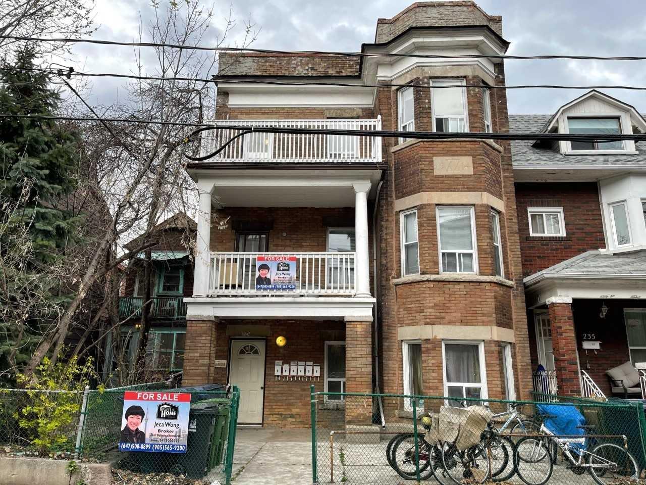 237 Manning Ave, Toronto, Ontario M6J2K8, 9 Bedrooms Bedrooms, 30 Rooms Rooms,6 BathroomsBathrooms,Multiplex,For Sale,Manning,C5160992