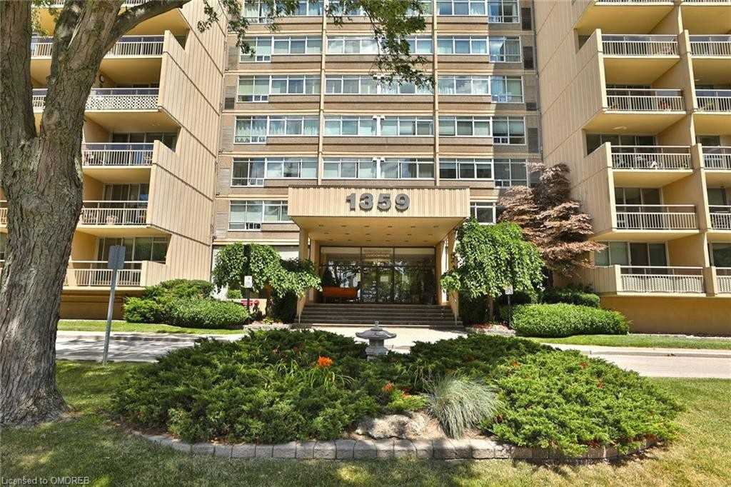 1359 White Oaks Blvd, Oakville, Ontario L6H2R8, 3 Bedrooms Bedrooms, ,2 BathroomsBathrooms,Condo Apt,For Sale,White Oaks,W5273411