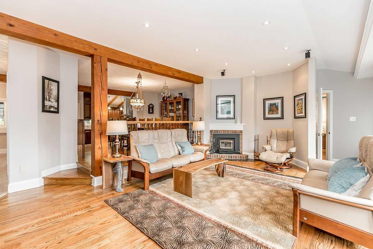 16365 Bathurst St, Newmarket, Ontario L3X1Z8, 5 Bedrooms Bedrooms, 16 Rooms Rooms,4 BathroomsBathrooms,Detached,For Sale,Bathurst,N4941475