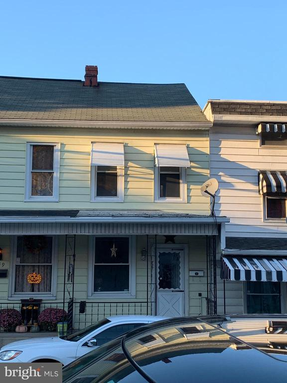 737 WALNUT STREET, ASHLAND, PA 17921, 3 Bedrooms Bedrooms, ,1 BathroomBathrooms,Residential Lease,For Rent,WALNUT,PASK128842