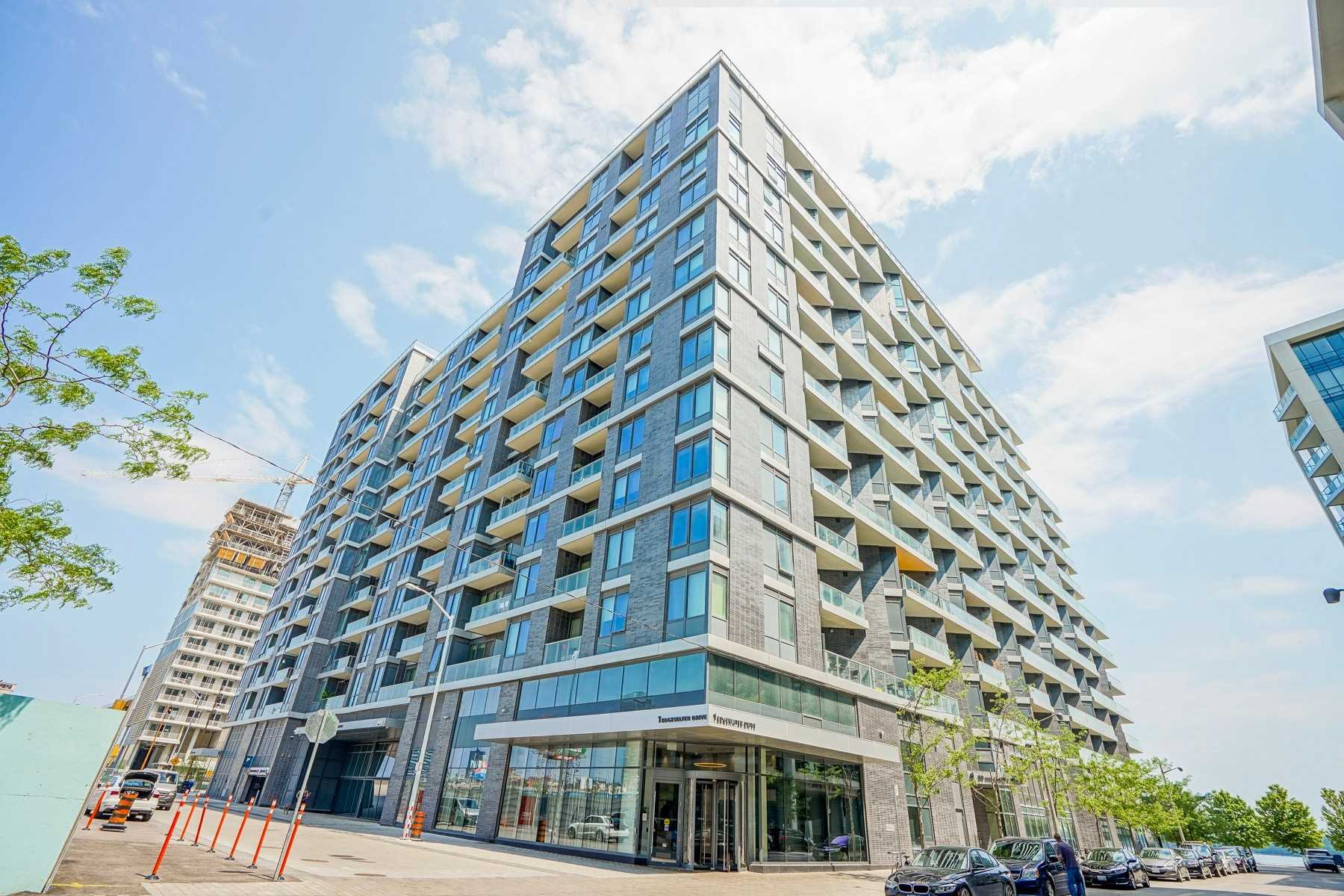 1 Edgewater Dr, Toronto, Ontario M5A0L1, 4 Bedrooms Bedrooms, 9 Rooms Rooms,4 BathroomsBathrooms,Condo Apt,For Sale,Edgewater,C5060939